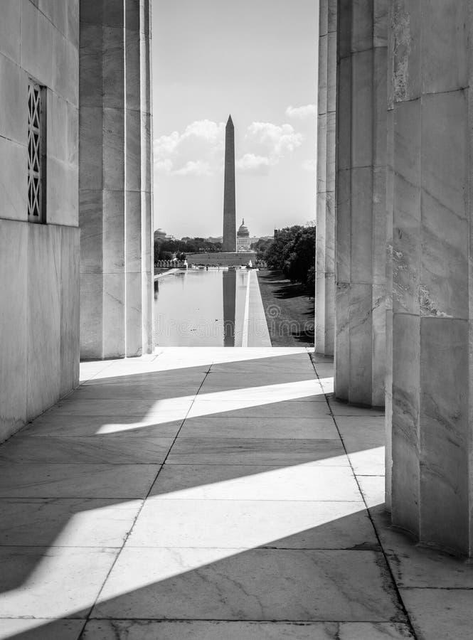 Washington Monument van Lincoln Memorial, Washington, gelijkstroom royalty-vrije stock foto