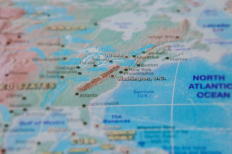 Washington no fim acima no mapa Foco no nome da cidade Efeito do Vignetting imagens de stock