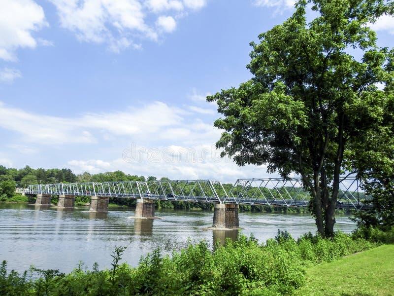 Washington& x27; s-korsning bro från Pennsylvania till Trenton New Jersey arkivfoton