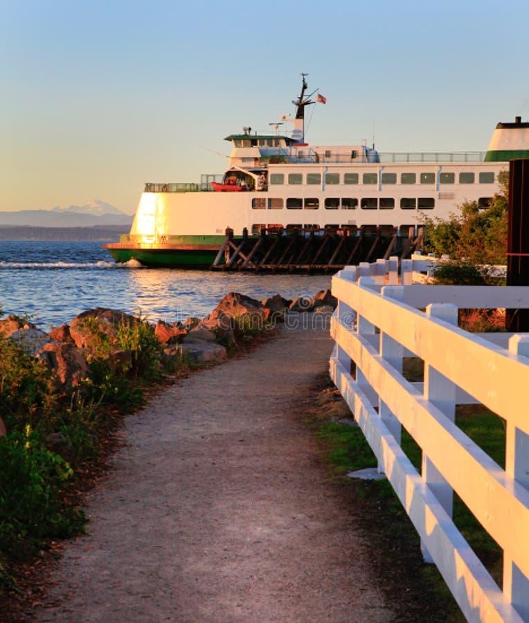 Washington State-veerboot tijdens zonsondergang royalty-vrije stock foto's