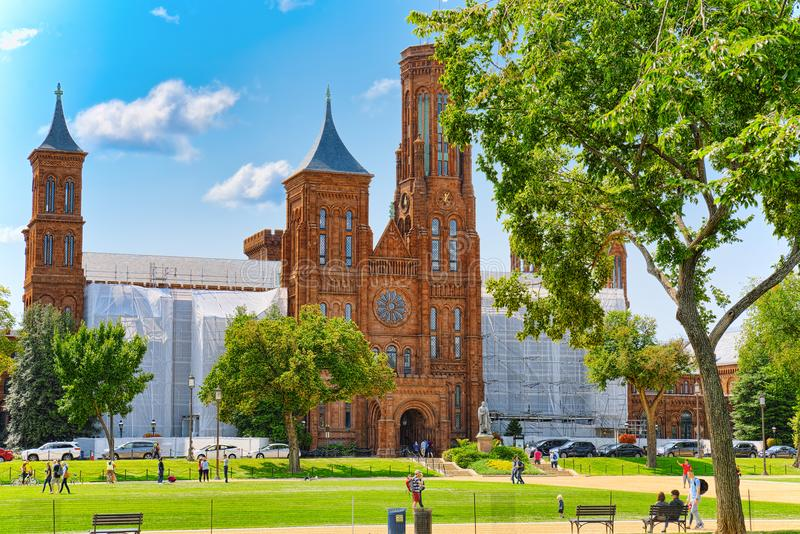 Washington USA, Smithsonian slott som lokaliseras på nationell galleria arkivbild