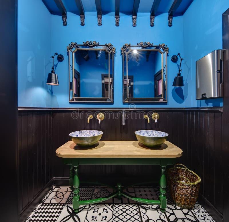 Washroom w meksykańskiej restauraci obraz royalty free