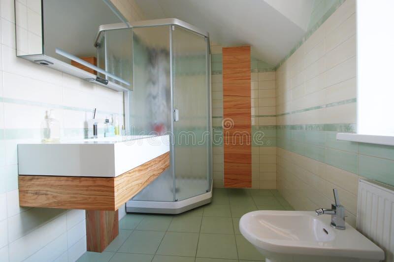Washstand e bidet fotografia stock