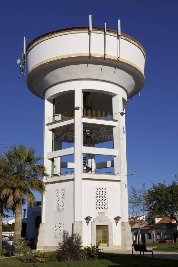 Wasser-Becken-Kontrollturm stockfoto