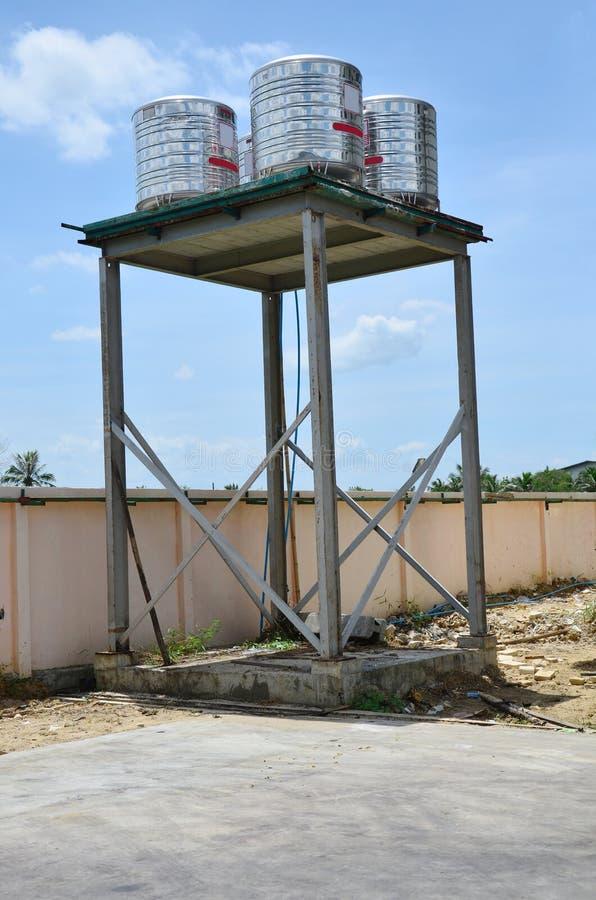 Wasser-Behälter-Turm-Anlage lizenzfreies stockbild