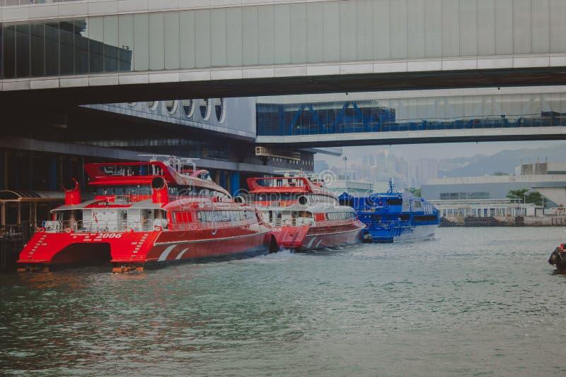 WASSER-FÄHRE IN HONG KONG lizenzfreies stockbild