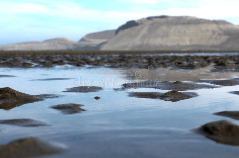 Wasser im Strand stockfotografie