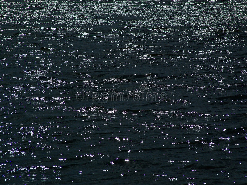 Wasser nachts stockbild