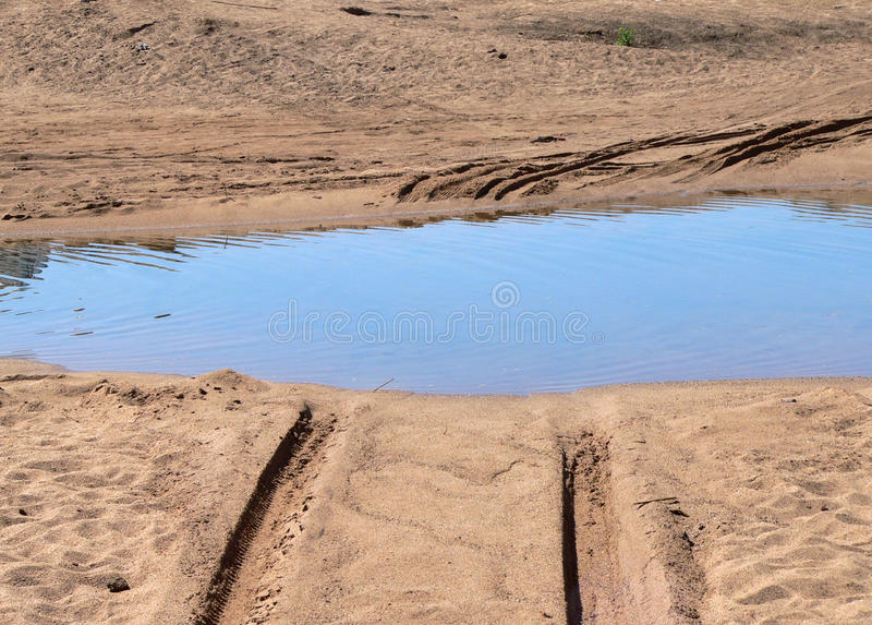 Wasser-Pfütze lizenzfreies stockbild