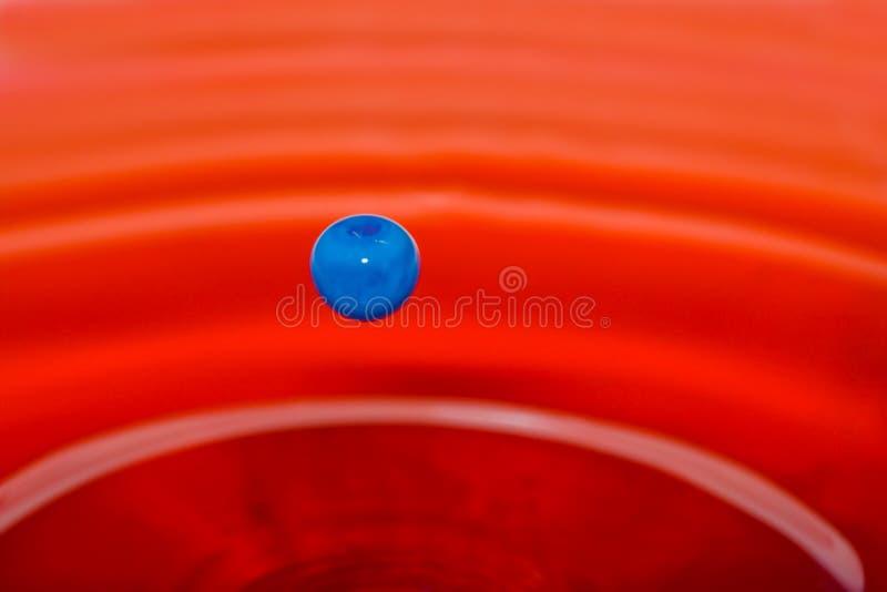 Download Wasser-Tropfen-Skulptur. stockbild. Bild von fotographie - 12201519