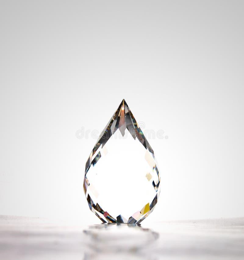 Wasser Tropfenform Kristall stockbilder