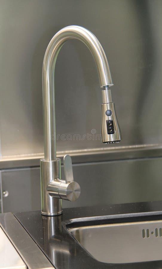 Wasser-Wannen-Mischer-Hahn stockbild