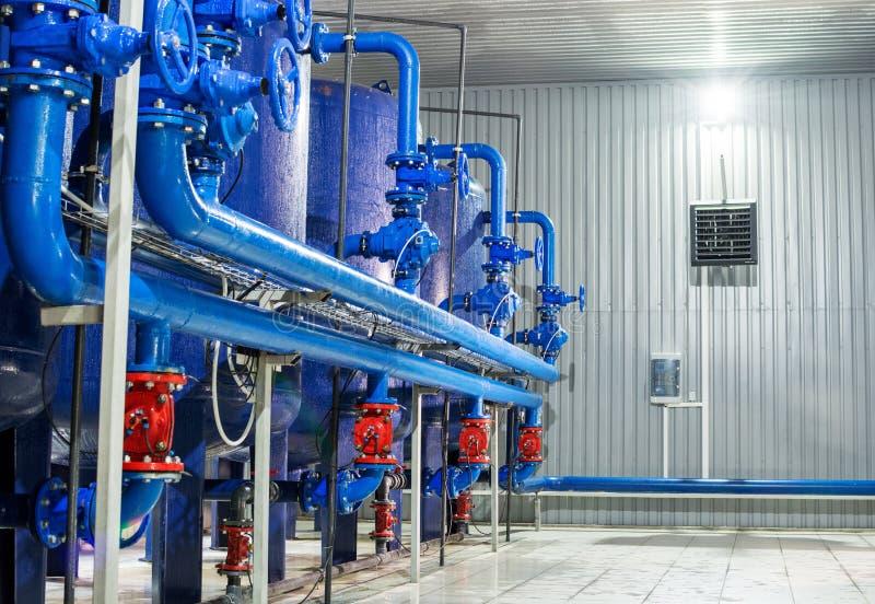 Wasseraufbereitungsfilterausrüstung in der Betriebswerkstatt stockfotografie