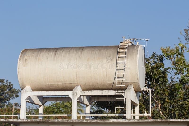 Wasserbehälter lizenzfreies stockbild