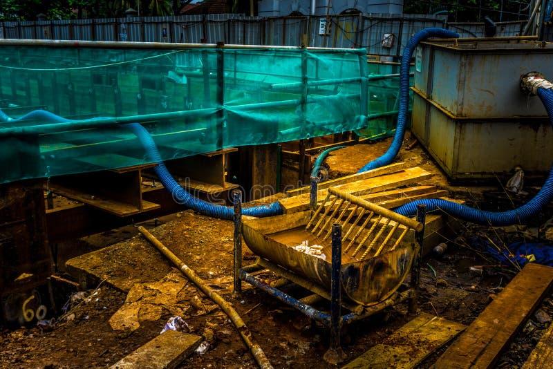 Wasserbehälter und -verteilung an der Baustelle Foto eingelassenes Jakarta Indonesien lizenzfreie stockbilder