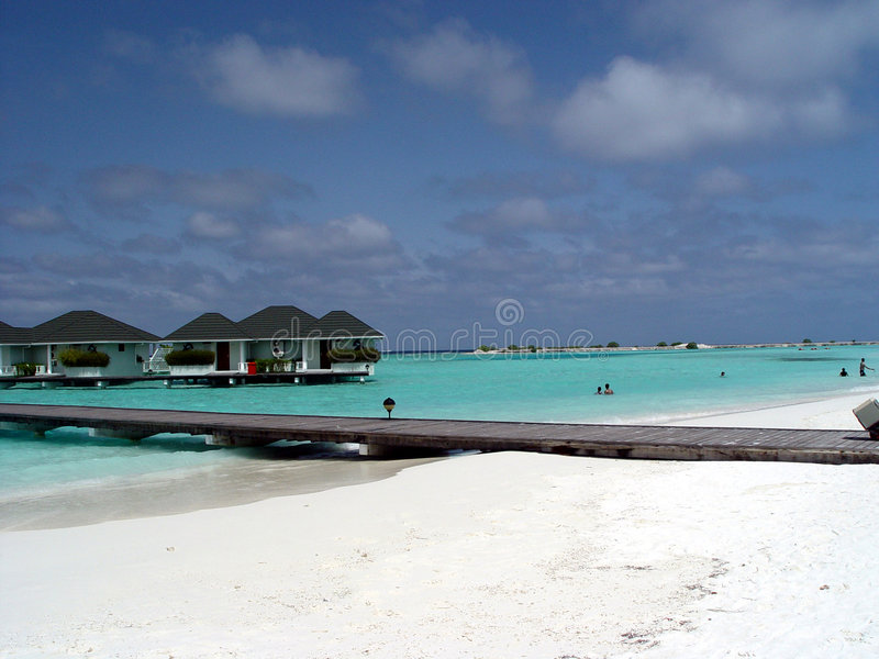 Wasserbungalow in der Paradiesinsel, Maldives stockfotos