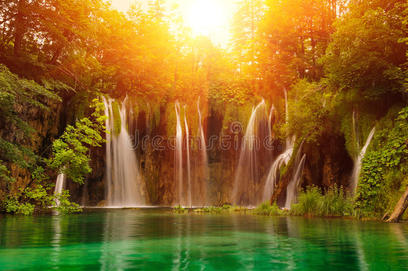 Wasserfälle im Nationalpark. Plitvice stockbilder