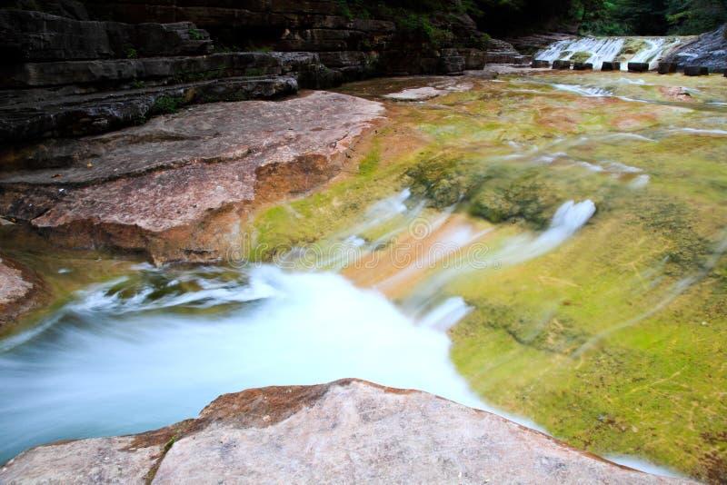 Wasserfälle und Kaskaden YUN-Tai des Berges China stockbilder