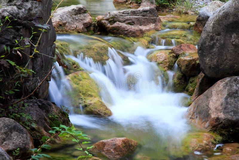 Wasserfälle und Kaskaden YUN-Tai des Berges China stockfotos