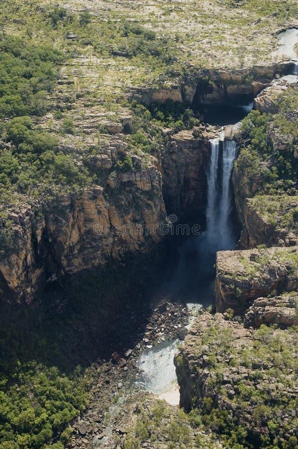Wasserfälle vom Himmel lizenzfreie stockbilder