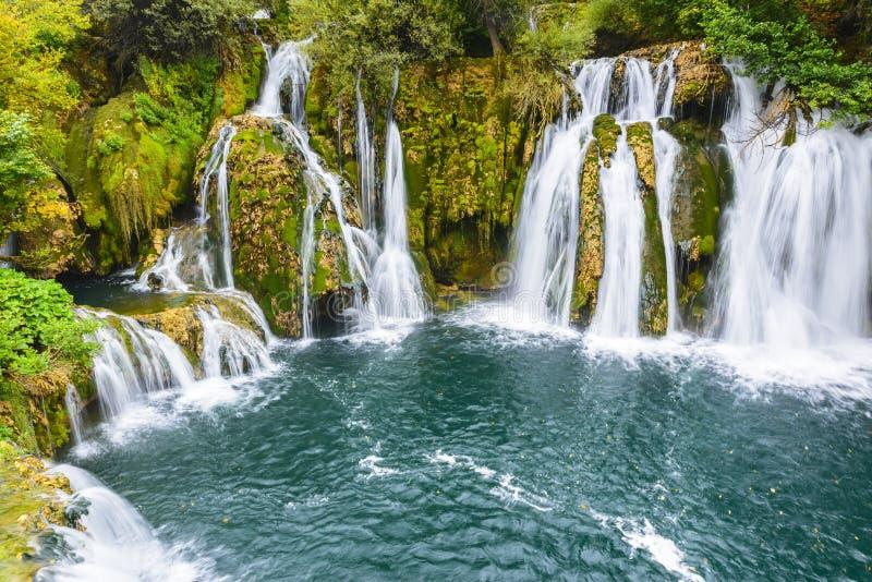 Wasserfälle von Martin Brod, Bosnien und Herzegowina lizenzfreies stockfoto