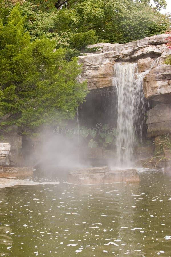 Wasserfall 2042 stockfotos