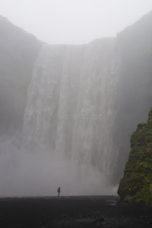 Download Wasserfall stockfoto. Bild von wasserfall, schattenbild - 26366408