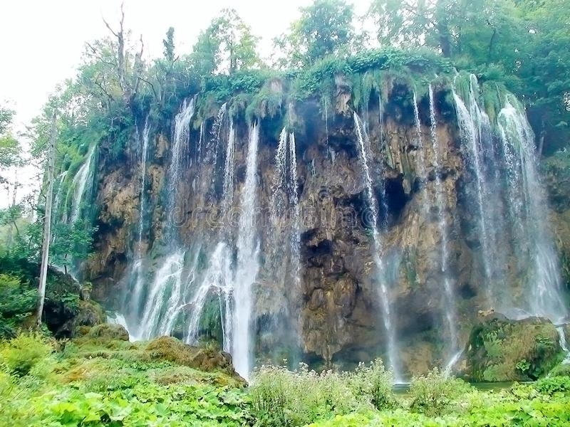 Wasserfall auf den Plitvice Seen lizenzfreie stockbilder