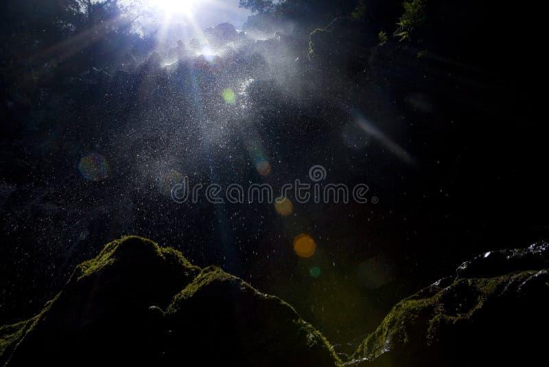 Wasserfall-Aufflackern lizenzfreie stockfotos