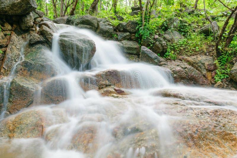 Wasserfall BO Ya lizenzfreie stockfotos