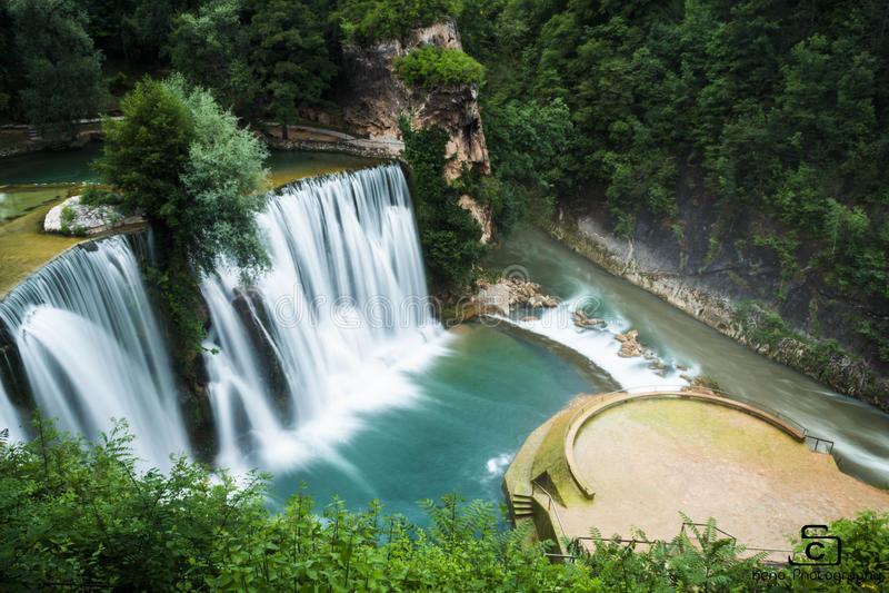 Wasserfall in Bosnien, Jajce lizenzfreie stockbilder