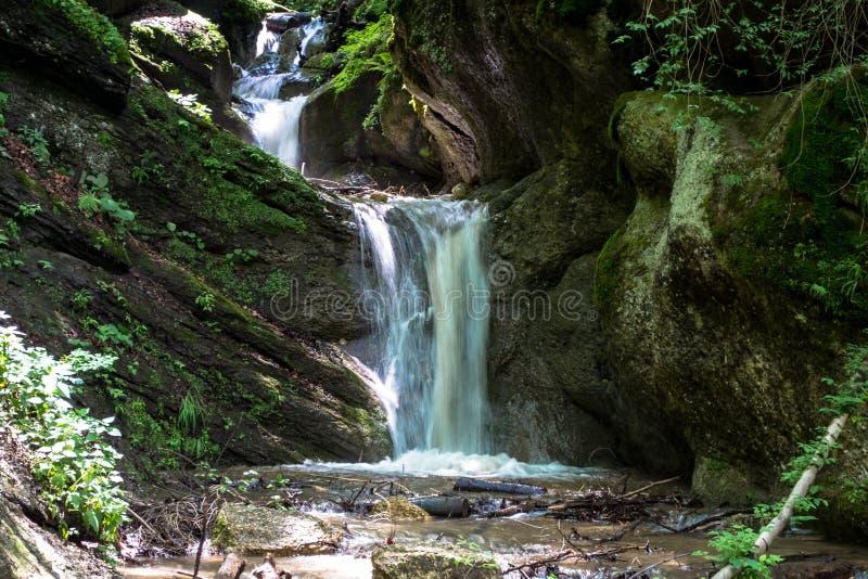 Wasserfall Brasov lizenzfreie stockbilder