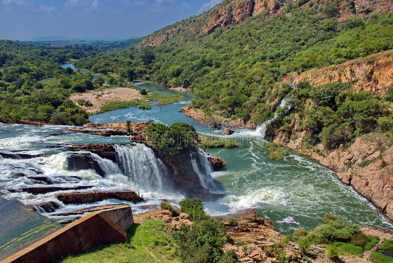 Wasserfall in Crocodile River stockbilder