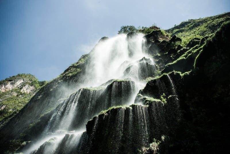 Wasserfall in der Schlucht Del Sumidero, Chiapas, Mexiko stockbild