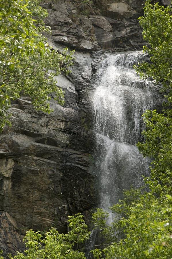 Wasserfall in der Spearfish-Schlucht lizenzfreie stockfotos