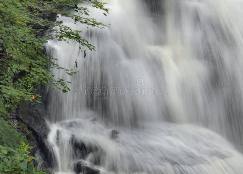 Wasserfall-Detail lizenzfreies stockbild
