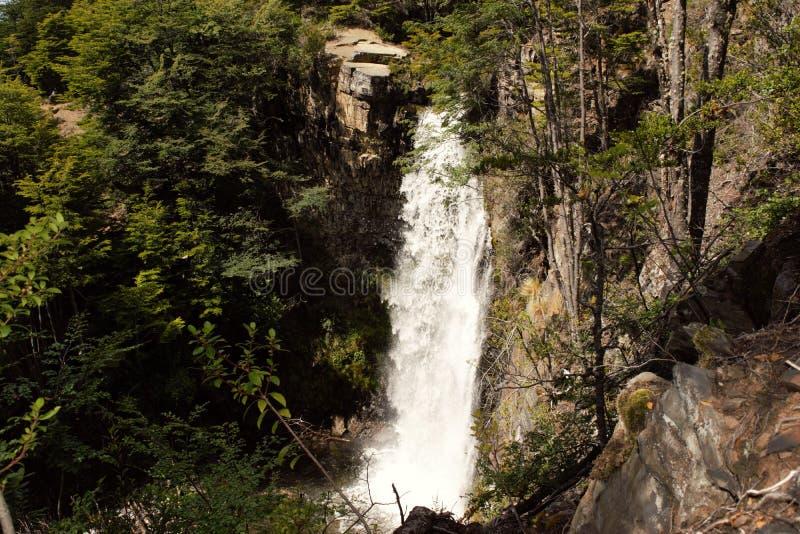 Wasserfall die Bronzen Williams-Hafen, chilenischer Patagonia lizenzfreie stockfotos