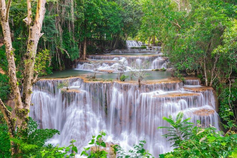 Wasserfall Huay Mae Kamin National Park in Thailand stockbild