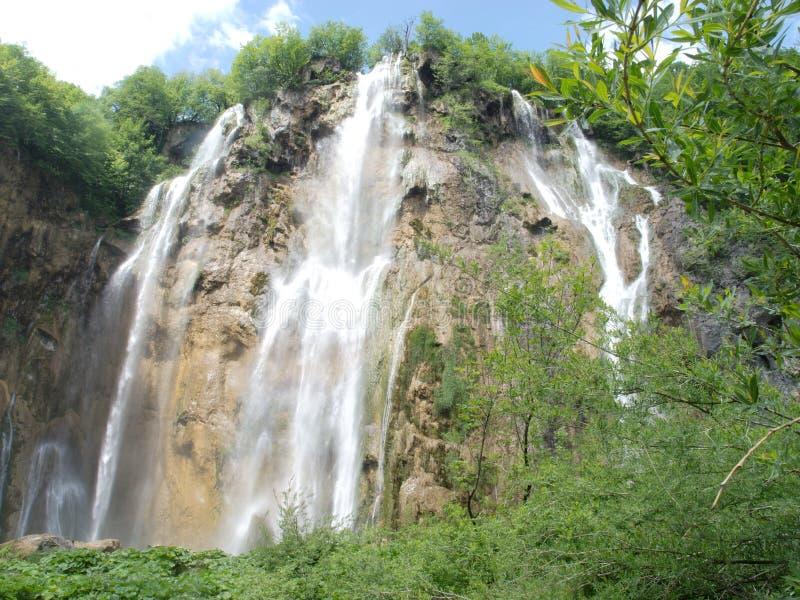 Wasserfall in Kroatien lizenzfreies stockbild