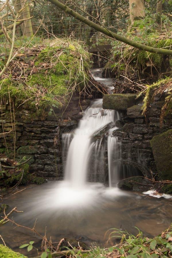 Wasserfall - lange Belichtung stockbilder