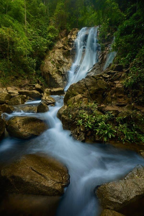 Wasserfall nahe Chiang Mai stockfoto