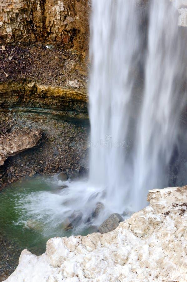 Wasserfall nahe Hamilton AN Kanada lizenzfreie stockbilder