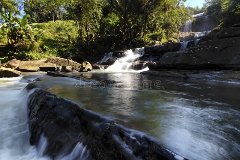 Wasserfall nangga ajibarang banyumas Indonesien lizenzfreies stockfoto