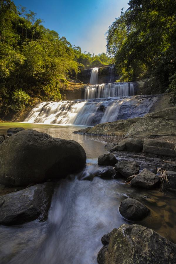 Wasserfall nangga ajibarang banyumas Indonesien stockbilder