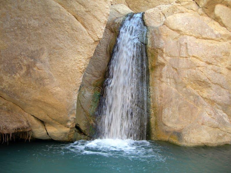 Wasserfall Oase in Tunesien lizenzfreies stockfoto