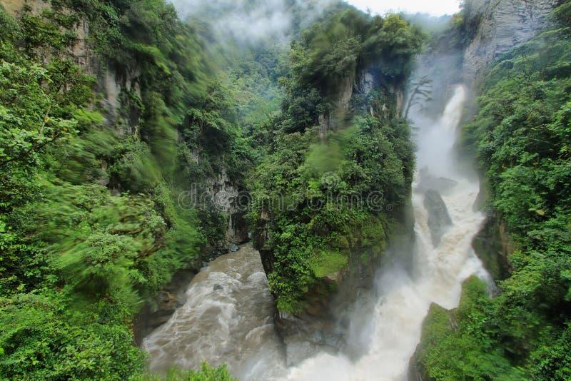 Wasserfall Pailon Del Diablo, Ecuador stockbilder