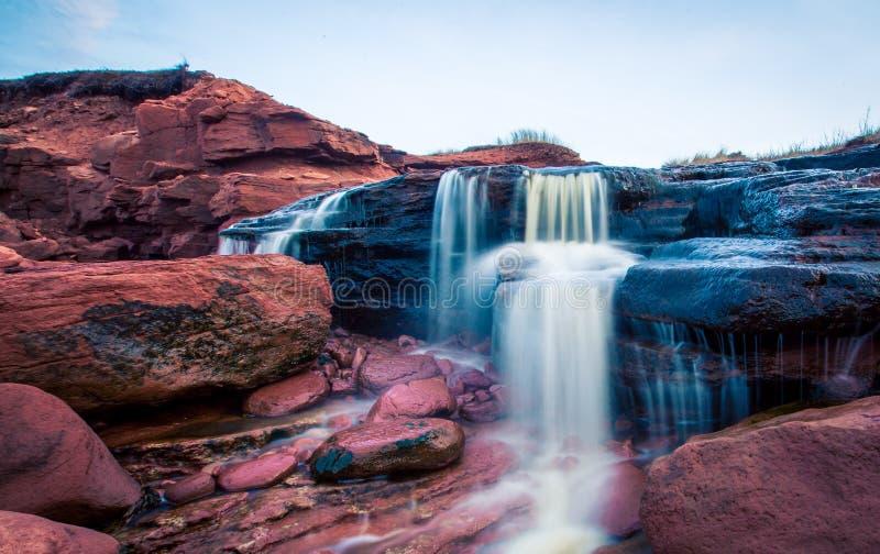 Wasserfall in Prinzen Edward Island lizenzfreie stockbilder