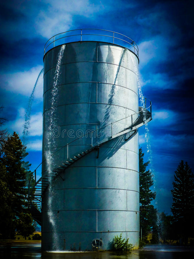 Wasserfall-Turm 1 stockfotografie