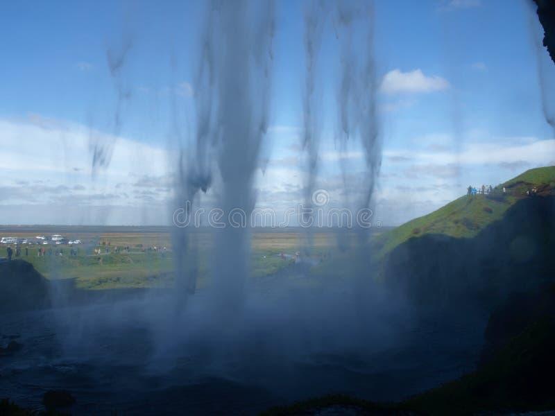 Wasserfall von innen stockbild