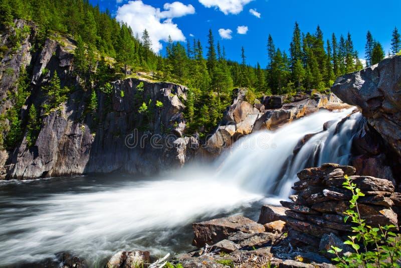 Wasserfall von Norwegen stockbilder